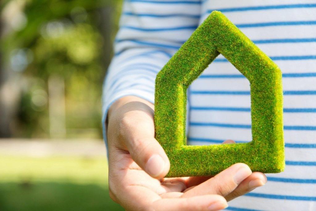 יתרונות הדשא הסינטטי עבור אוכלוסיית גיל הזהב